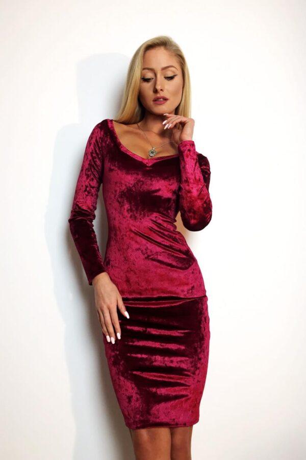 czerwona sukienka welurowa 1 (Copy)
