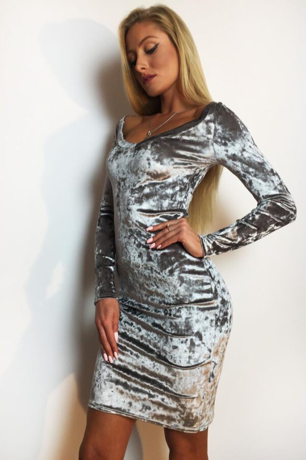 srebrna sukienka welur 2 (Copy)