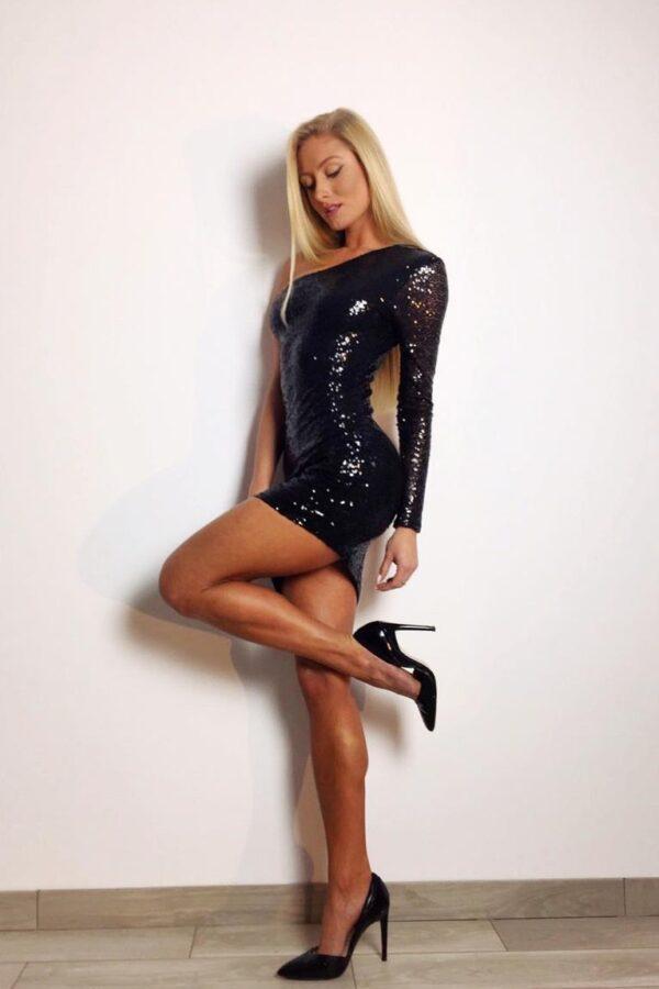 sukienka cekinowa czarna 1 (Copy)