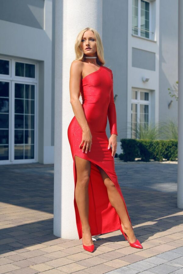 długa czerwona sukienka z jednym rękawem 1 (Copy)
