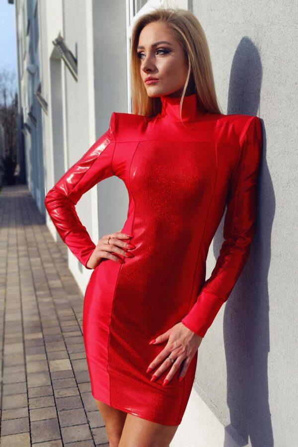 czerwona sukienka mini z golfikiem 1.4