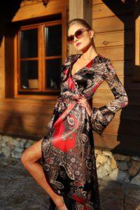 elegancka satynowa sukienka kopertowa 1.15