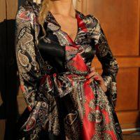 elegancka satynowa sukienka kopertowa 1.17