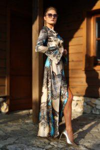 elegancka satynowa sukienka kopertowa 1.6