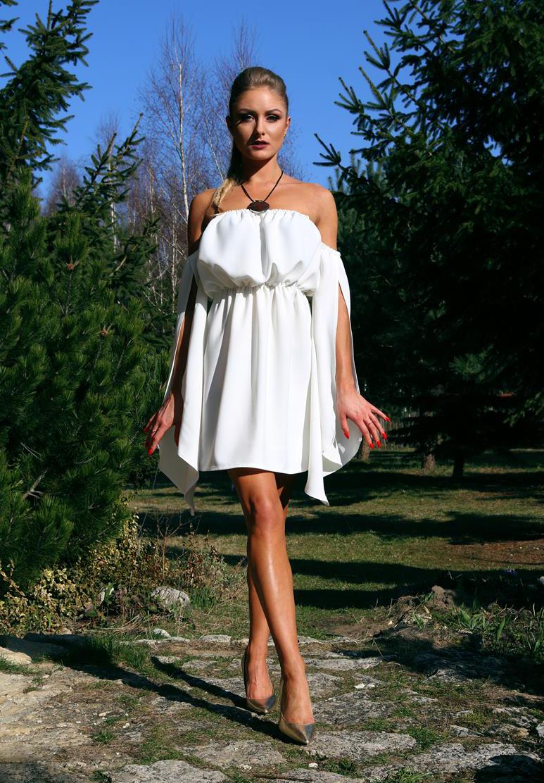 45a2bc8832 Elegancka sukienka letnia z pękniętymi rękawami – ecru - YOLOLOOK