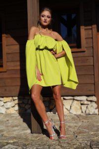 elegancka sukienka na lato seledynowa 1.1
