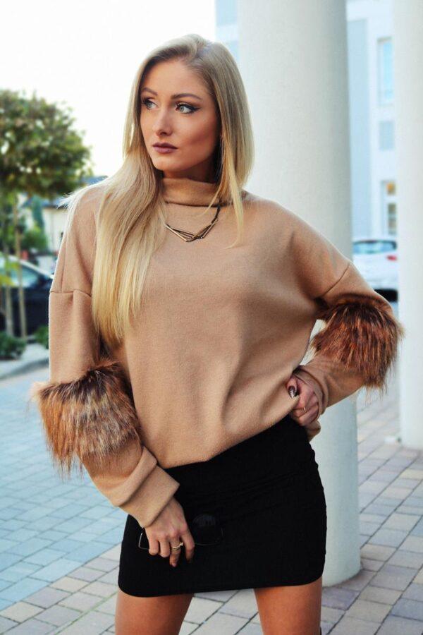 camelowy sweter z futerkiem 1.2 (Copy)