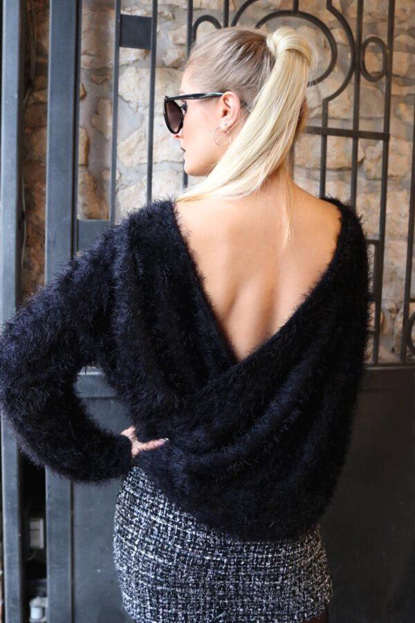 sweter z dekoltem na plecach 1.3 (Copy)